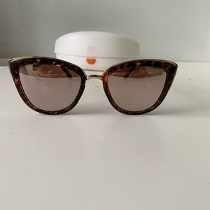Free people 869135 Rose Gold women's sunglasses.